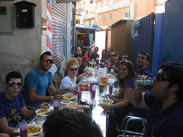 RT @oscar_furiano: paella de los xungos con @JoanaJoanamc18 y @cobejmd http://t.co/ODMCox5HNa