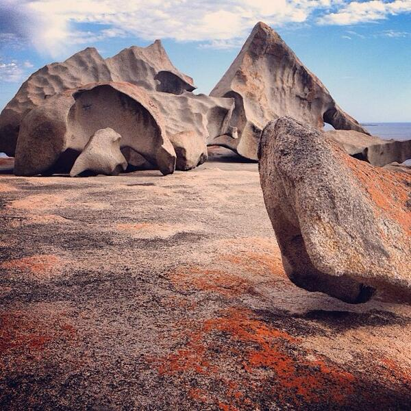 The #RemarkableRocks are a must see when at Flinders Chase NP in #SouthAustralia. Great shot by @kjenzen! (Via IG) http://t.co/FPLJDsOWiH