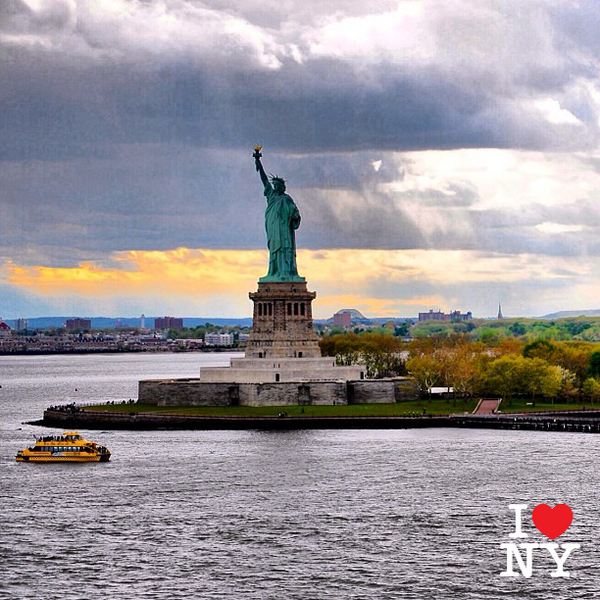 Congratulations to Instagram user tirmot, whose photo of the Statue of Liberty is this week's #ISpyNY fan favorite! http://t.co/d6Tgw2ET9D