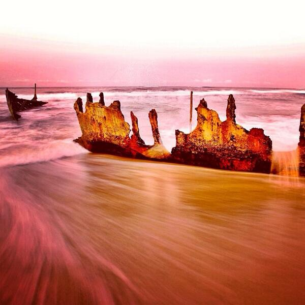 Great shot of the #SSDicky shipwreck on #DickyBeach in #Queensland. Thanks for sharing, @jfphotoproject! (Via IG) http://t.co/lLrVEcLJPS
