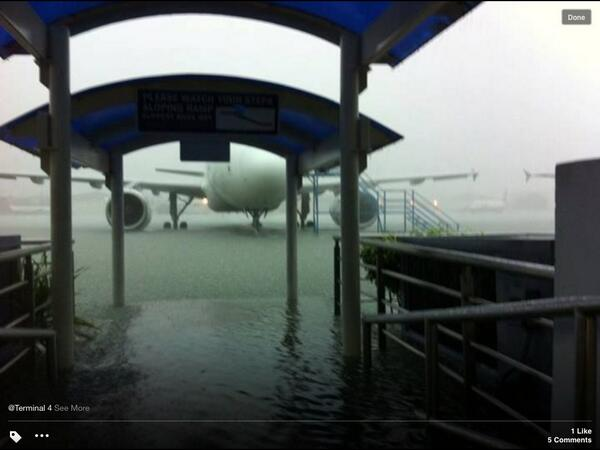 Ramp side at the NAIA Terminal 4 an hour ago. http://t.co/PbXtxI0x7y