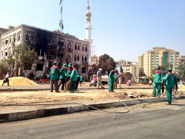 Rabaa mosque area still largely sealed to traffic after sit-in disp, workers paint govt bldgs, fix street #Egypt http://t.co/BGKXYjnhuK