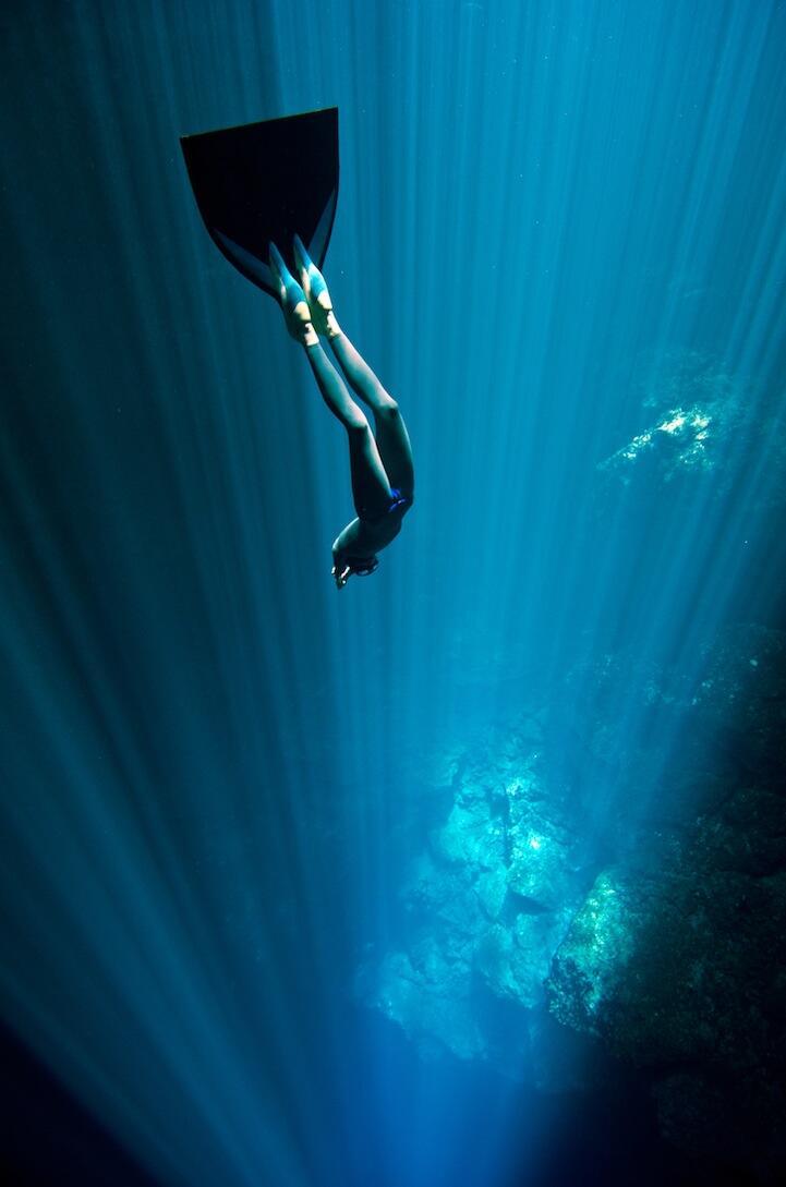 Record-holding free divers Christina & Eusebio Saenz de Santamaria remind us never to stop underwater exploration. http://t.co/9R4bz2LKy8