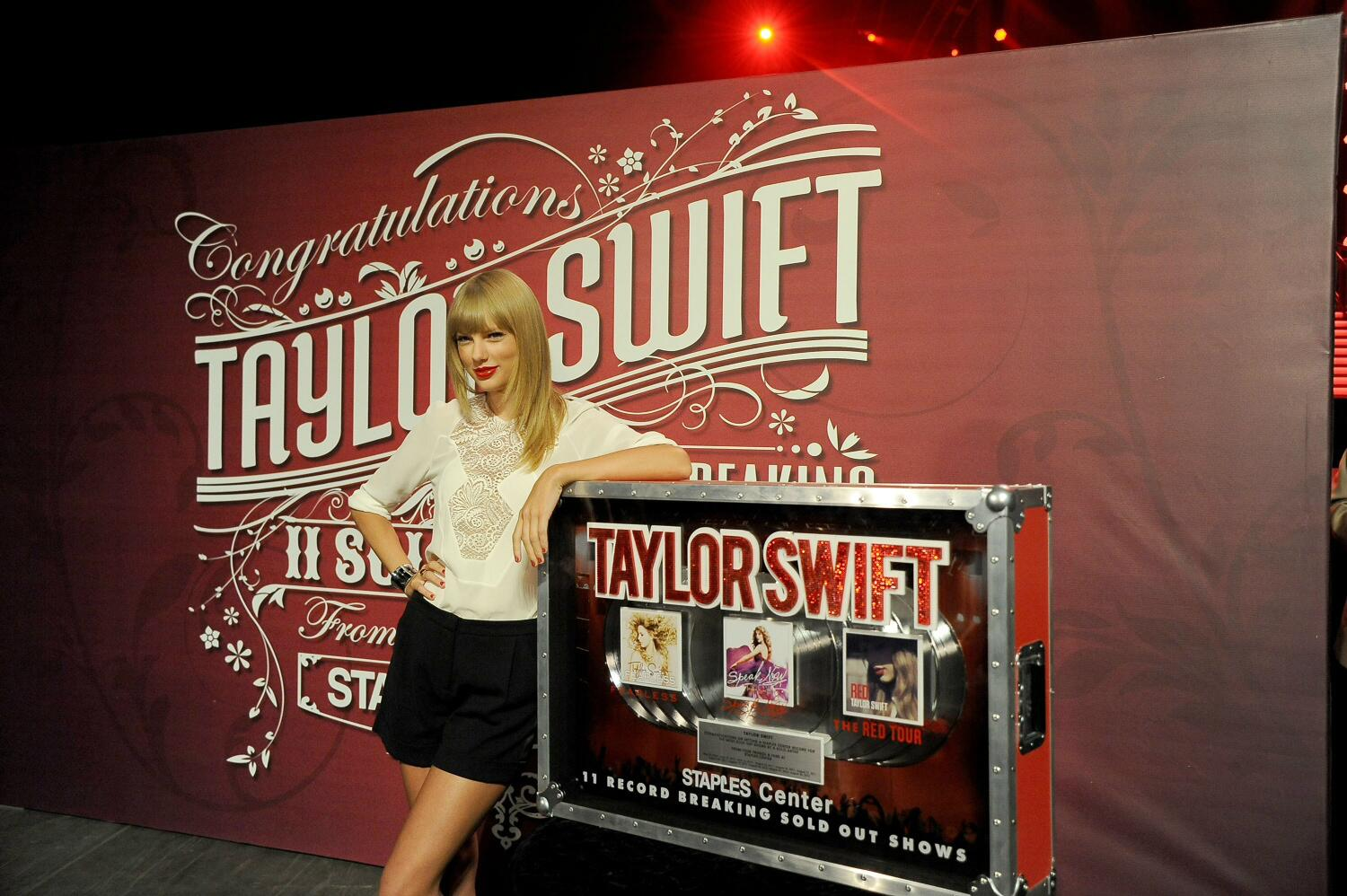 RT @BigMachine: Please join me in congratulating @taylorswift13 on 11 SOLD OUT shows at the @STAPLESCenter in Los Angeles! #RedTour http://t.co/S2r85xpzKR