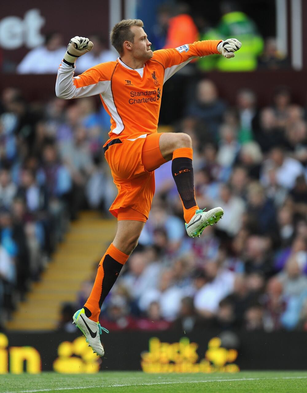We love this - Mignolet celebrating the first goal #AVFC 0-1 #LFC http://t.co/JaqnorGP6i