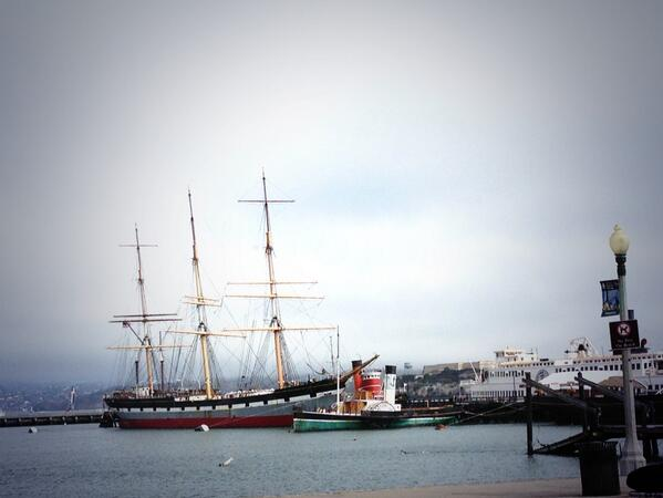 """Small girl at Fisherman's Wharf, pointing and waving: """"It's @KarlTheFog! It's @KarlTheFog!"""" http://t.co/wvkmRhv4I3"""