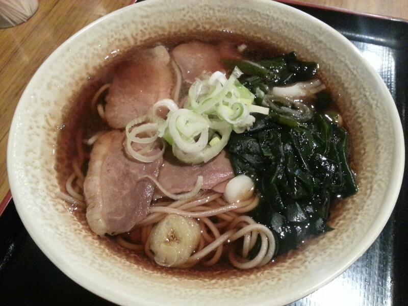 鴨そばー!鴨肉って美味しいですよね! http://t.co/uIFGibHSkO