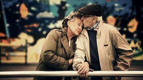 — Tu seras mi novia para siempre.  — ¿para siempre?. — Si para siempre. — http://t.co/iHW4p8myUV