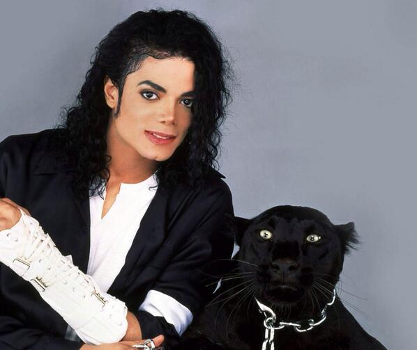 Happy Birthday to the king of pop Michael Jackson love u miss u #happybirthdaymichael #mjfam #kingofpop http://t.co/JNCpmXtApV