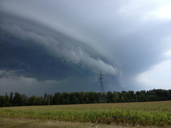 Nicole Karkic (@NicoleKarkic): The storm madness today in Ontario.  This was seen in Lambeth. From Kellie Renwick via @weathernetwork  #onstorm http://t.co/B6qQs1JIxp