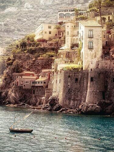 Costa de Amalfi, Italia. http://t.co/sW9cb3VHGJ