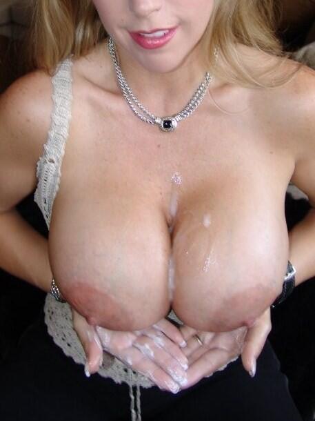 Commit error. Cum on her cleavage hope