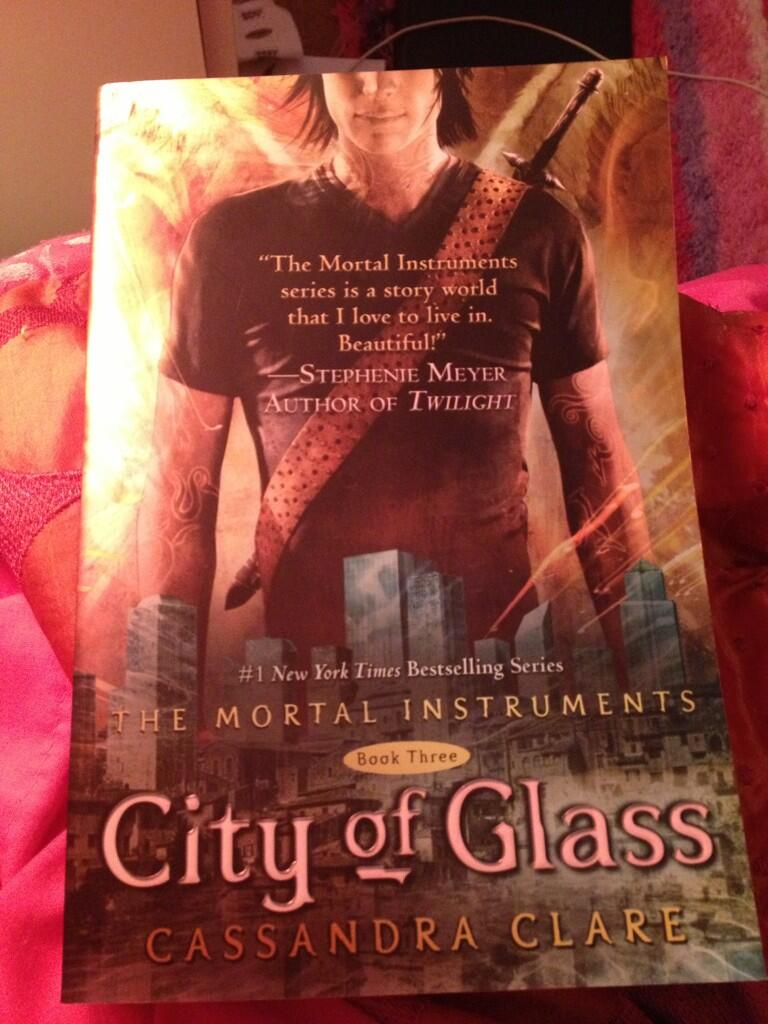 Finished City of Ashes now going to the City of Glass! #TMI http://t.co/8cGAkrdO4d