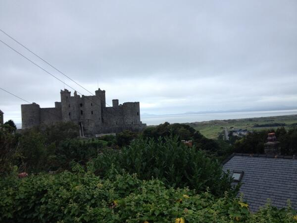 Harlech castle - 1/3 the way to Machynlleth and it's only 9.30 :-)