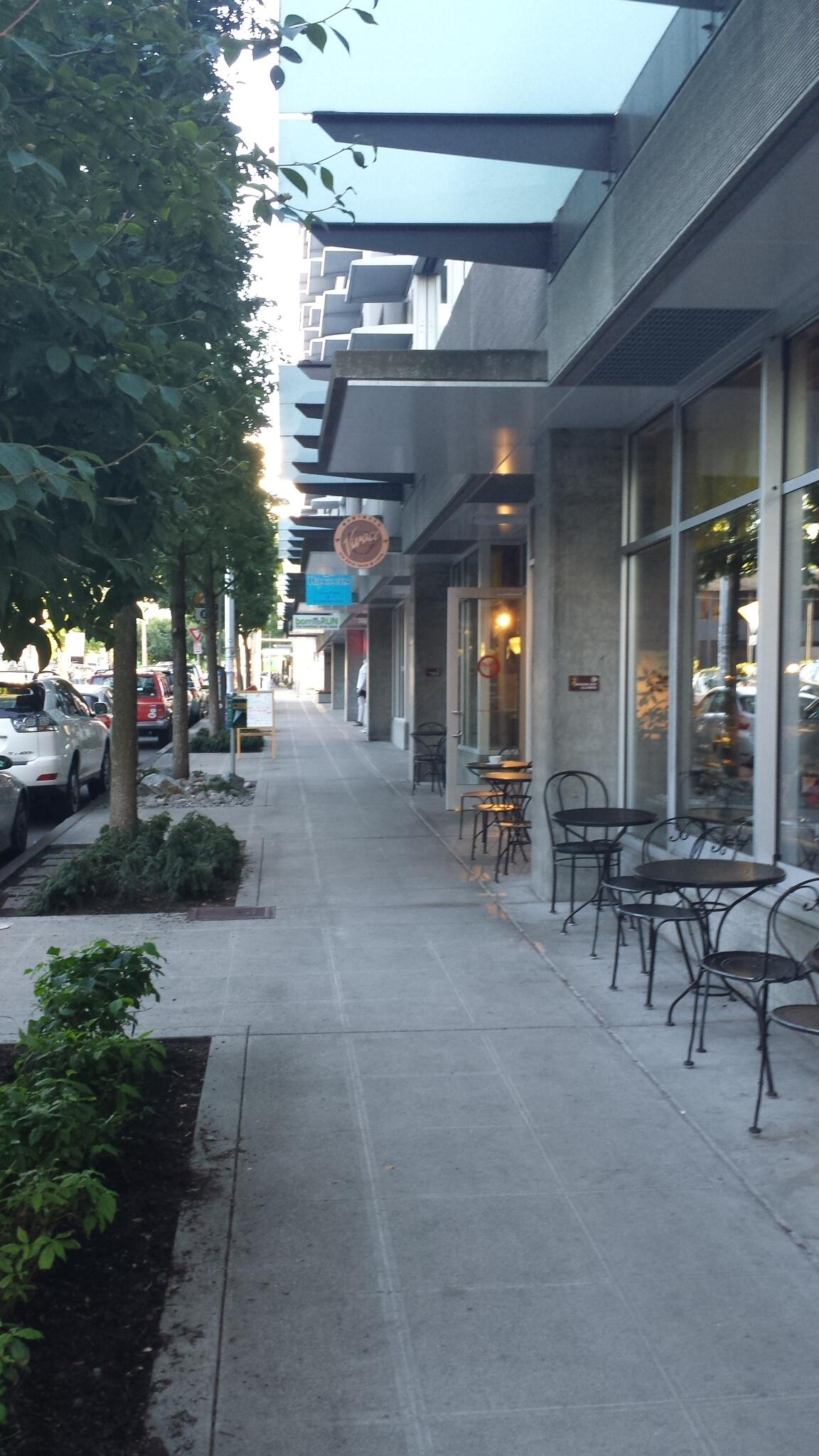 More #pedestrianfriendly streetscape around the corner from mid-block crossing @Cascade District #seattle http://t.co/jlM677oDSa