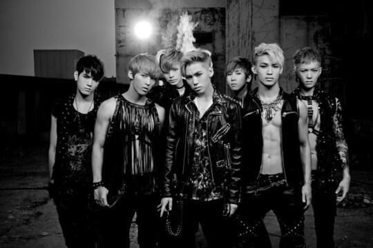 RT @theSTAR_korea: [질문해줘] 비투비(BTOB)에게 그동안 궁금했던 점, 새 앨범에 관한 질문을 9/4 (수)까지 더스타 트위터로 [비투비] 말머리 달고 멘션 보내주세요. 멤버별 질문은 [ ] 안에 멤버이름 쓰기! http://t.co/BdK4ffbIlu