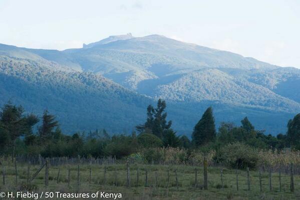 Ol Donyo Lesatima is the highest peak in the Abardares at 3,999M,followed by Kinangop at 3,906M #KenyanFacts http://t.co/51WaHhFMkI