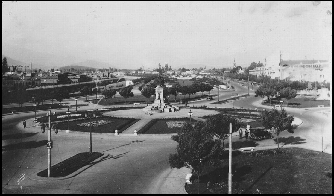Panorámica de la Plaza Baquedano, año 1930. @EnTerrenoChile @santiagoadicto @barrioitaliatv @sebastian_gray @purb http://t.co/Ef4pa4ESZG