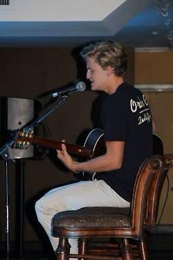Cody in Bakersfield , CA. #2 http://t.co/WZdaKBQwrX
