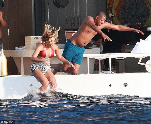 hov aint even jump son just fell in #too #much #money http://t.co/LZlGzbQzp5