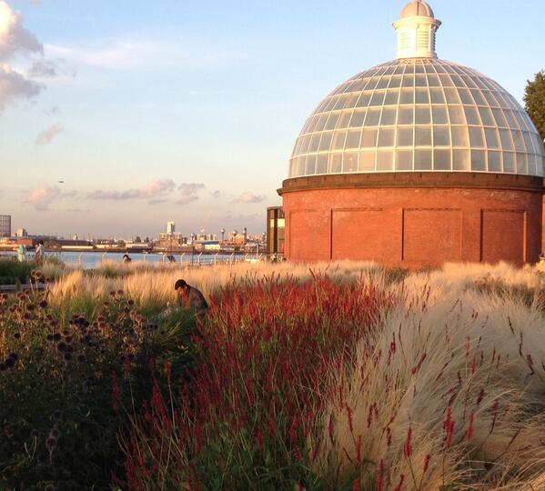 RT @deptforddame: (Public realm) credit where it's due; I do love the planting at Cutty Sark Gardens. Just don't mention water feature http://t.co/83CZrq9Pce