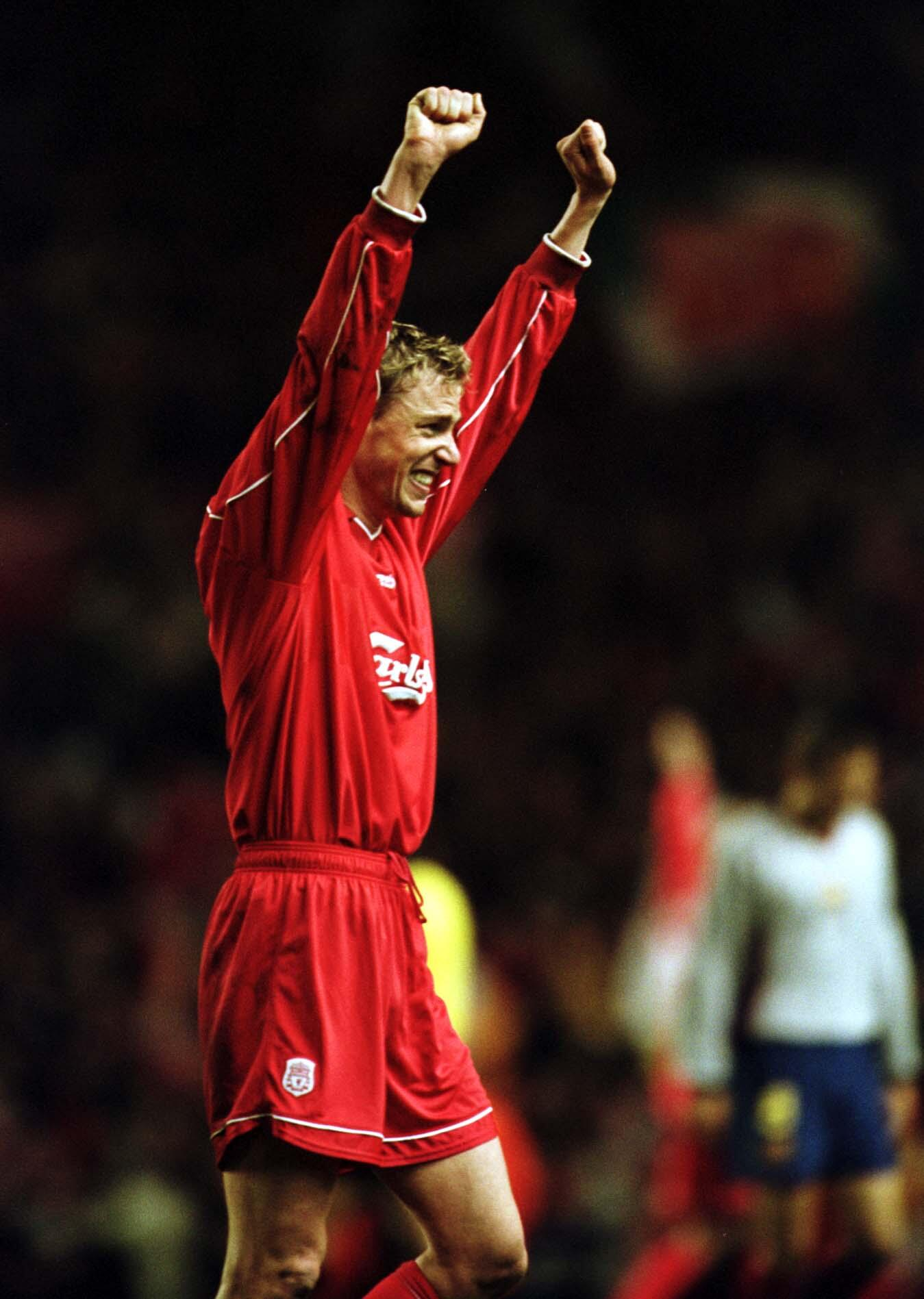 Happy 39th birthday to #LFC 2001 treble-winner Stephane Henchoz http://t.co/hIJ4y3pfqM