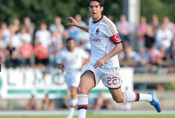 BTlDAgCCUAAB7If Kaka makes AC Milan debut (again), gets captaincy & an assist v Chiasso [Individual highlights]