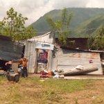 Se me cayó el rancho, pero no se daño la foto de #HugoChavez. Gracias Dios mío. Qué cosas... http://t.co/fqVF1XG8iT