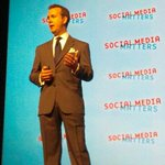 #smmhk OMG! The grandfather of social customer service: @scottmonty in Hong Kong. http://t.co/hD3k6T65gY