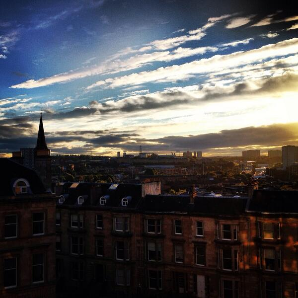 Sam Heughan (@Heughan): Morning bonny Scotland! http://t.co/LkGaUpKb83