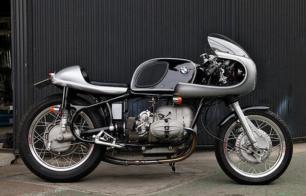 One beautiful 1960 BMW R69S, for sale at Ritmo Sereno in Japan. Tempted? http://t.co/s7UVTkG4Fm