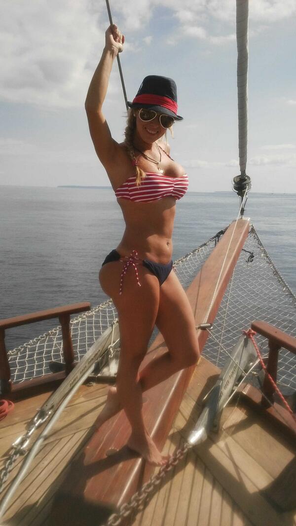 Deisy Cardenas (@deisy_cardenas1): Navegando por Ibiza http://t.co/1dD1PjI5oZ