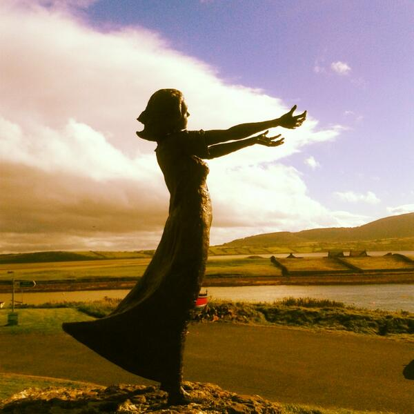 "RT @sligolive: Another site to see on your trip to Sligo.The ""Waiting on Shore"" monument in Rosses Point village. http://t.co/WkLe9g6QSz"