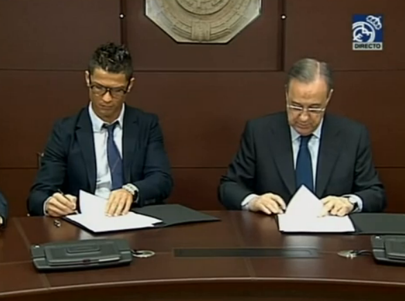 BUM6bByIUAAU5UT The Tweets: Man United fans react to Cristiano Ronaldos contract extension at Real Madrid