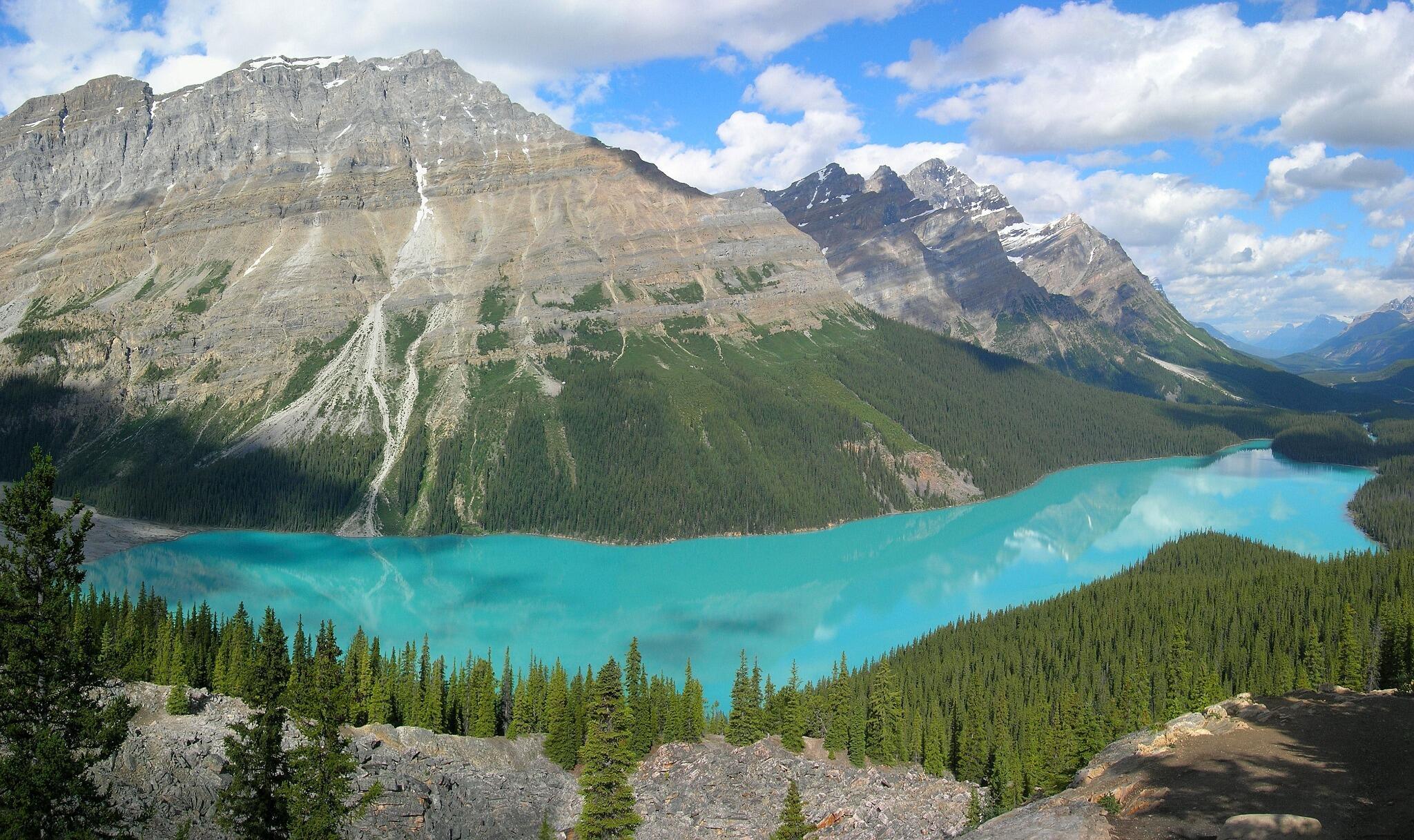 The Glacier-Fed Peyto Lake in Banff National Park, Canada http://t.co/EYg4xgqcMk