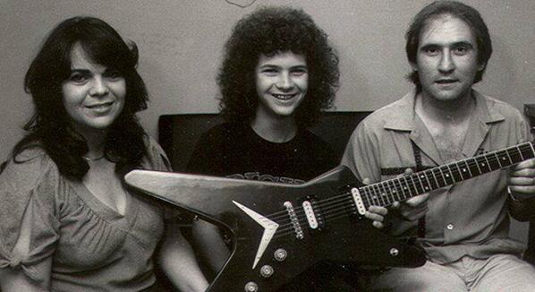 Here's Dimebag Darrell from @Pantera with his first ever guitar. What was your first axe? #DimebagDarrell #Pantera http://t.co/5Hwzv5ZNPm