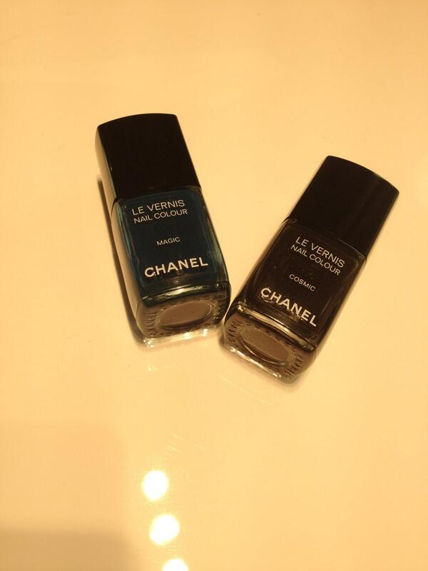 The two @CHANEL nail polishes created exclusively for #VFNO #beauty http://t.co/CN2GW0Epug
