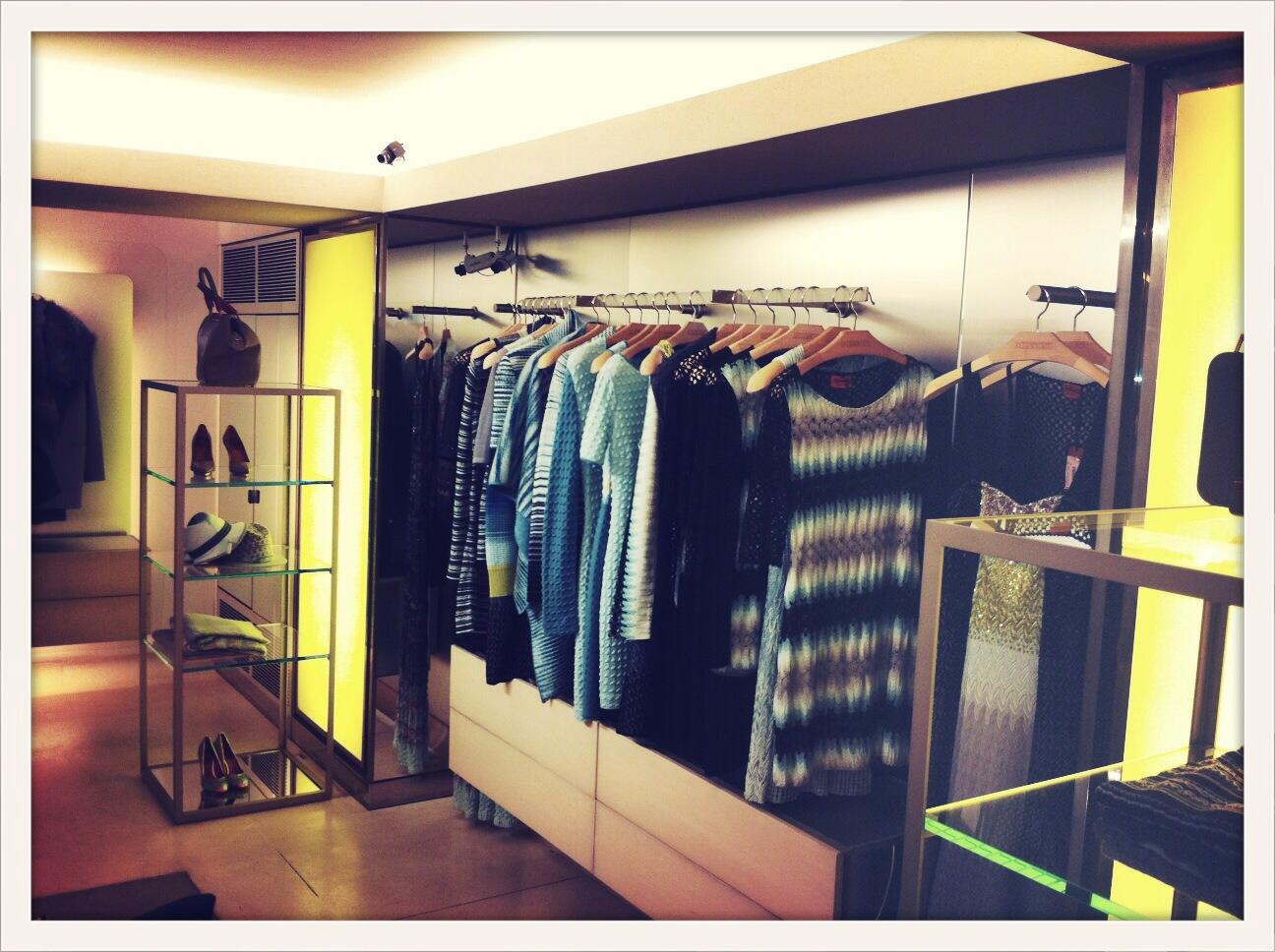 Head to #Missoni for macarons and fruity cocktails #VFNO @missoni http://t.co/dTwUtkMmSw