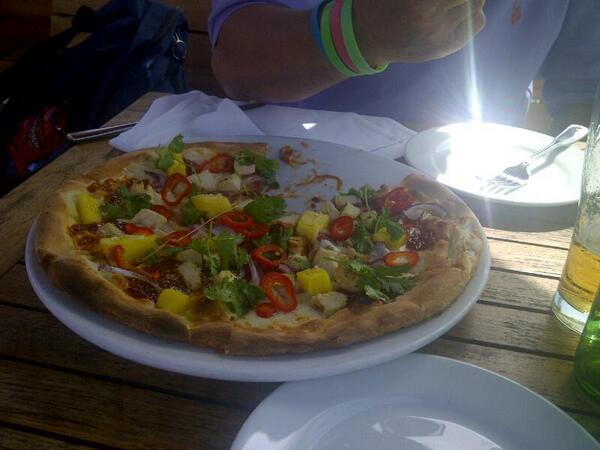 """Yum """"@_SimplyTessa: This barbecue chicken pizza from @SWG_SantaMonica in Santa Monica Place is delicious. http://t.co/Zmkt9PIad2"""""""