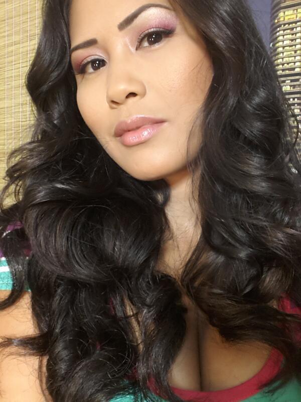 Jessica Bangkok (@jessica_bangkok): Cumm play http://t.co/j2u8wV7a6s http://t.co/YZHnMqzZUS