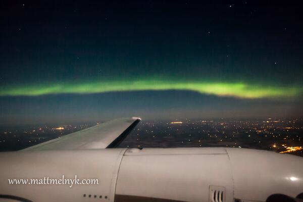 RT @AuroraMAX: #Aurora by airplane! MT @melnyk_photos:  last night, 21,000 ft http://t.co/3qe33mtGT6