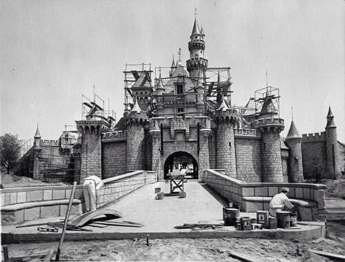 Increíble: Imagen inédita de la construcción de Disney World. http://t.co/qaBE0mE2xM