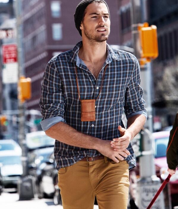 Beyler de bu sezon mutlaka bir ekose gömlek edinmeli! #tartan #plaid #man #fashion #style #fall #casual #handsome http://t.co/ioTV2qOQE6