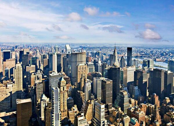 Isn't #NewYork the greatest city in the world? Show your #NYC love with a retweet! http://t.co/Rures7KK22