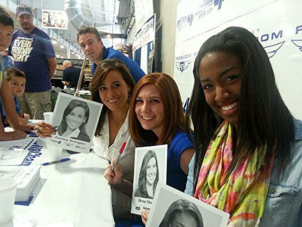 Ashley Kringen (@Ashleykringen): Beautiful news sisters + Reed @BreeNews4 @paigehillK4 @reedtimmerTVN http://t.co/sHtgDJO7Ml