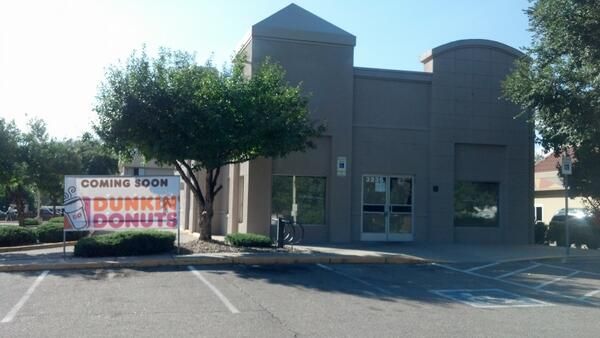 It looks like Dunkin' Donuts is returning to #Boulder. http://t.co/JD3ZbFdAxH
