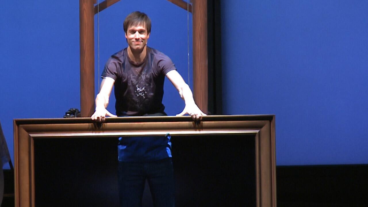 Première de Réellement sur scène de Luc Langevin (en vidéo) dès 23h30 http://t.co/6ur6bh3hDd