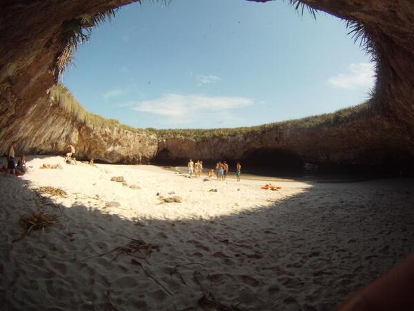 RT @PVallartanews: Lugares únicos de México: La Playa Escondida en la #RivieraNayarit, Día Mundial del Turismo http://t.co/okm1f36yrN