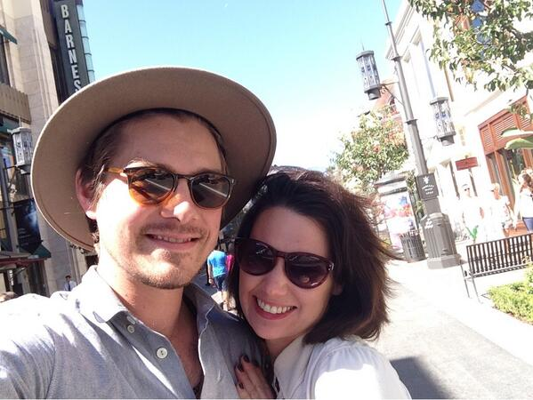 Natalie Hanson (@natonthewall): Hard to say goodbye after a short and sweet visit with my man on the road. See couple selfie below! http://t.co/kbzvDKEesV