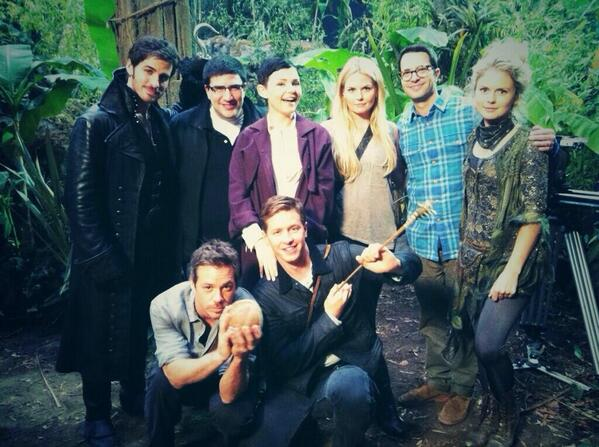 1 day more .... #OnceUponATime http://t.co/OXTfQ2tD8h